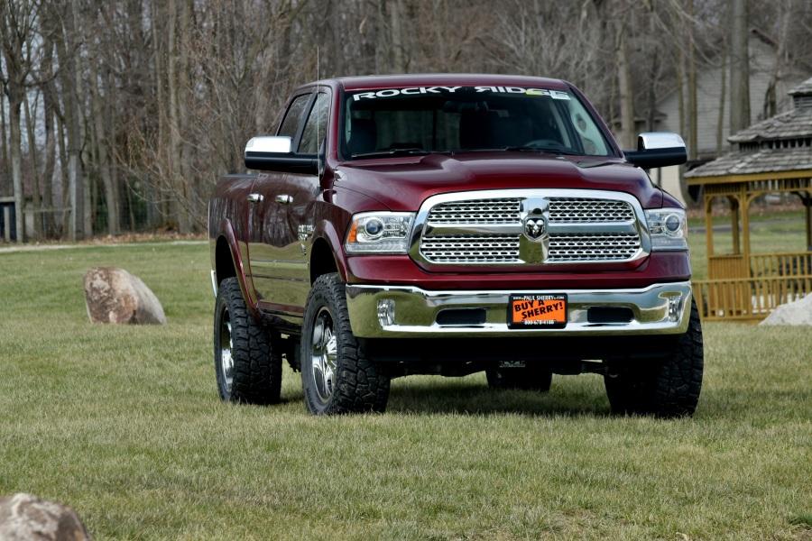new lifted trucks