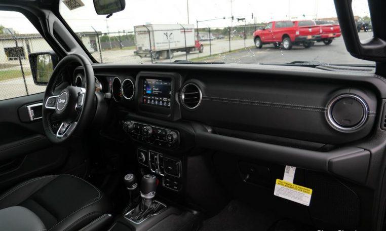 Lifted 2020 Jeep Wrangler Unlimited - Rocky Ridge Trucks | 29288T